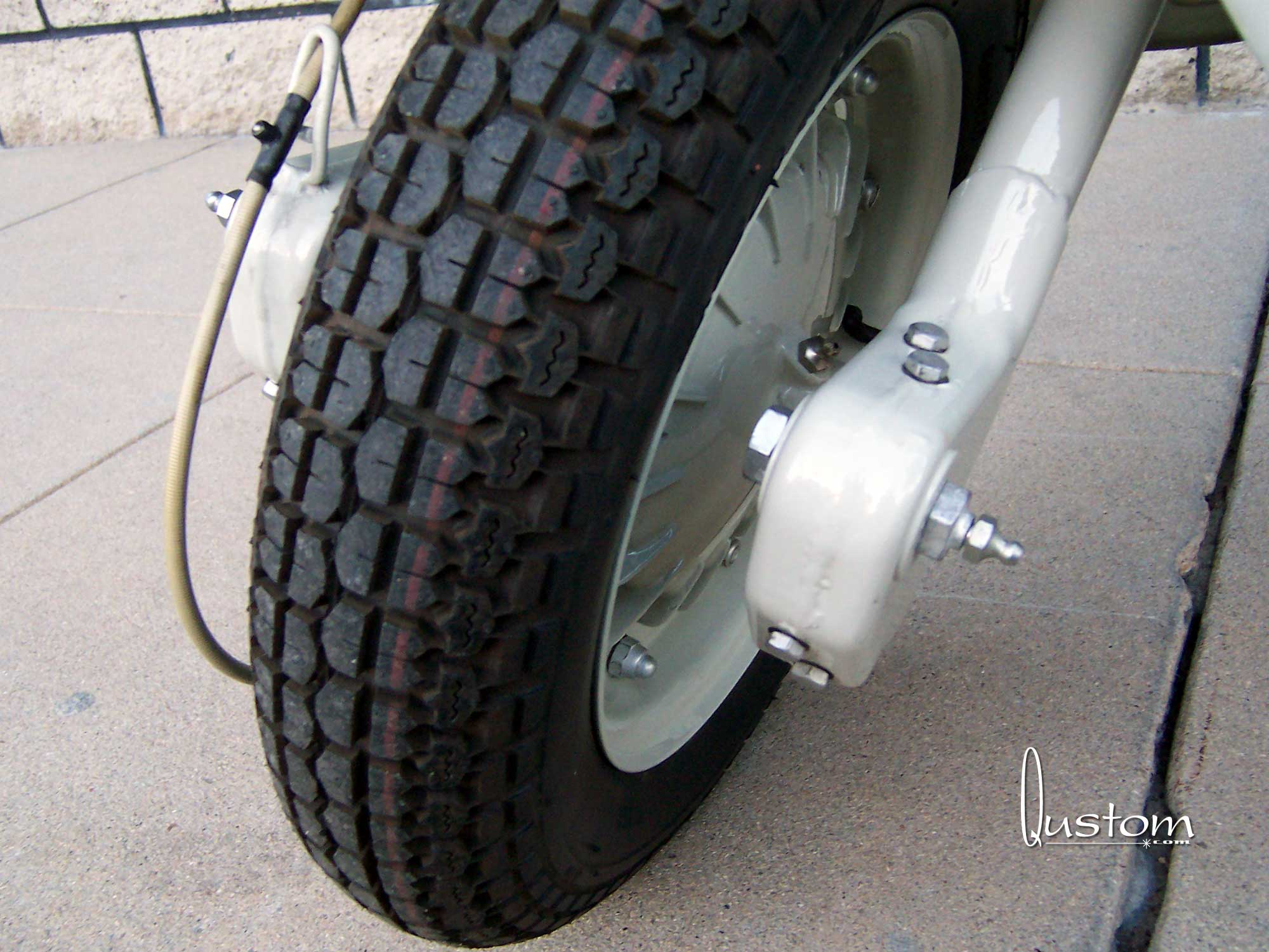 06-tim-white-front-wheel.jpg